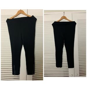 HUE SM Black cotton stretch zipper ankle leggings